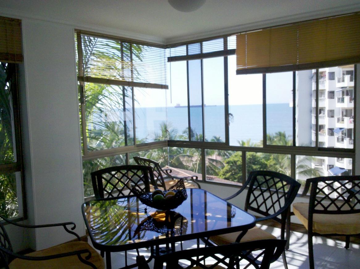 Apartamento de 3 habitaciones Edificio Bellomar