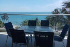 Apartamento frente al Mar en el Edificio Rocca Di Mare, salida directa a la playa