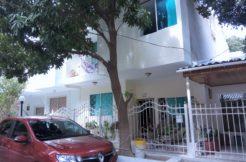 Casa de dos plantas en el Conjunto Residencial Villa Del Mar.
