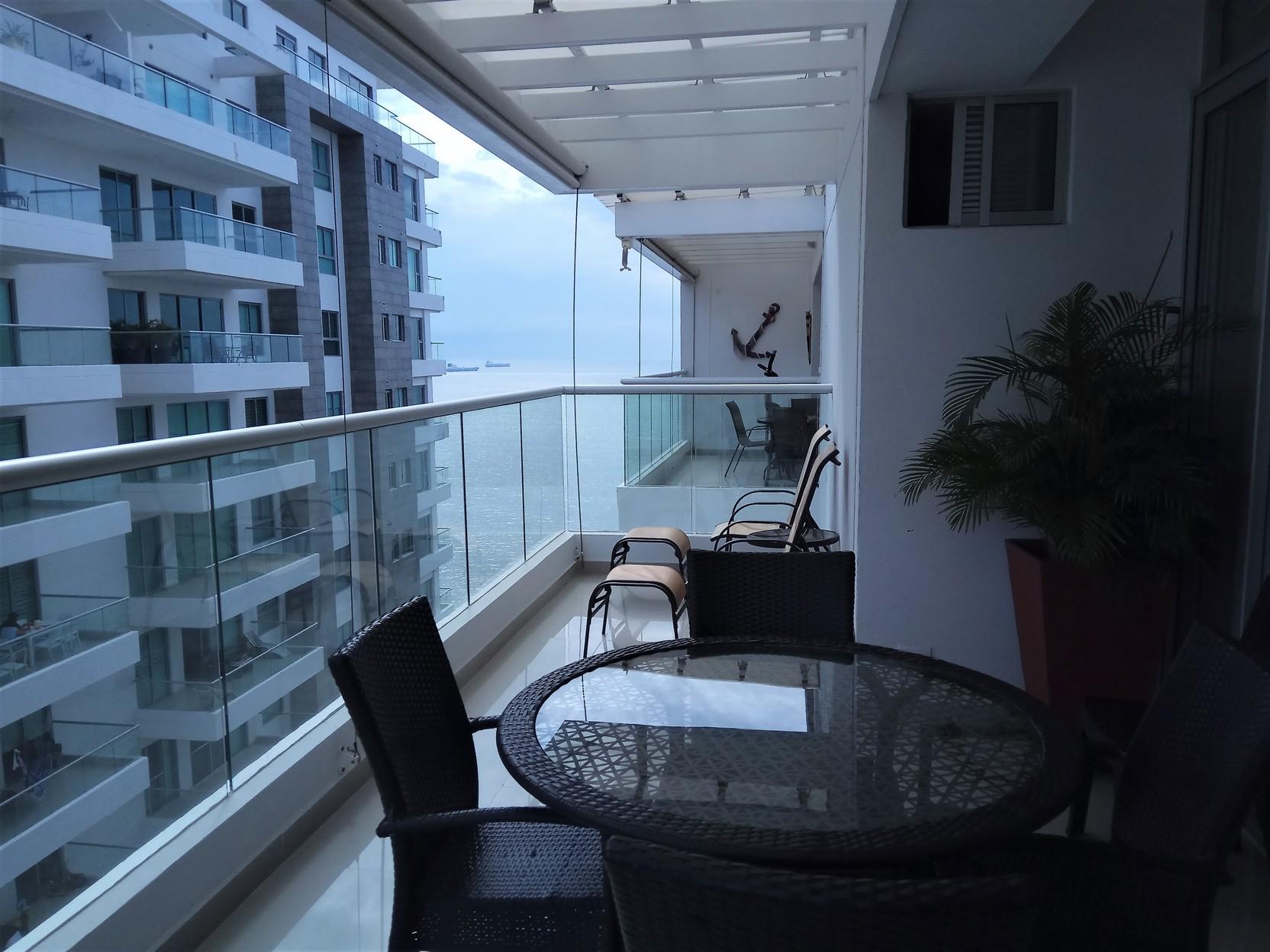 Comodo apartamento amoblado en Rocca Di Mare, 3 hab. 3 baños 159 m2