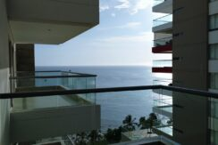 Apartamento de 2 hab. 3 baños en Pozos Colorados, Edificio Oceania, con playa interna y salida directa al mar.