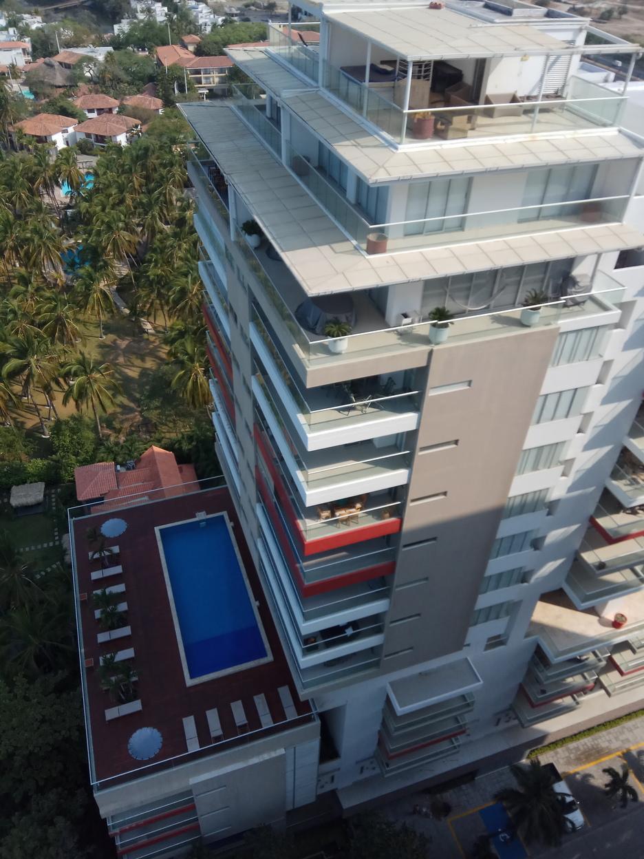 Apartamento de 2 habitaciones y 2 baños con visa al mar